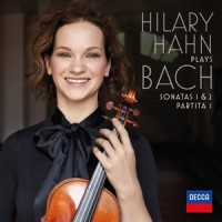 La violinista Hilary Hahn nelle Sonate 1 & 2 e nella Partita 1